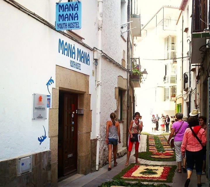 Mana Mana Hostel, Spain