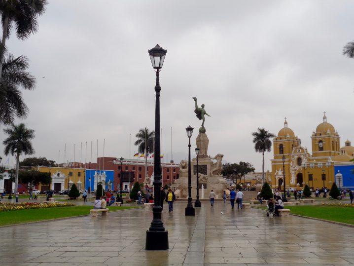 Plaza de Armas, Trujillo