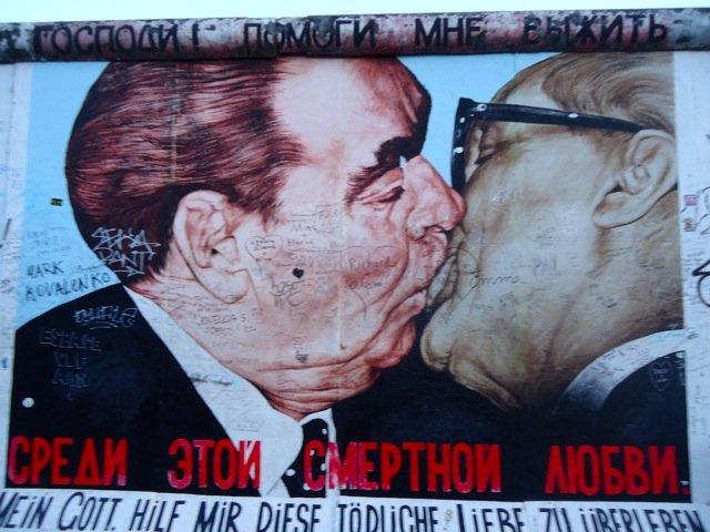 Berlin Wall - The 'kiss'